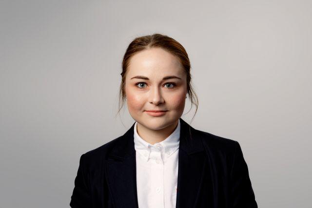 FlexQube business controller Julia
